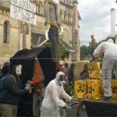 Entre 2000 et 3000 participants à la manifestation joyeuse et pacifique contre la poubelle nucléaire de Bure
