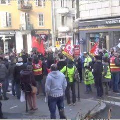 Des salariés syndiqués soutiennent la lutte des gilets jaunes en appelant à la grève généralisée
