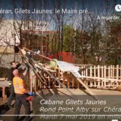 Les Gilets jaunes évacués brutalement du rond-point d'Alby-sur-Chéran sur ordre du maire Jean-Claude Martin