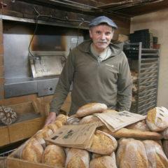 Paul Rochet, bon comme le pain qu'il fabrique, transmet sa passion dans la réhabilitation d'un beau moulin en pierre