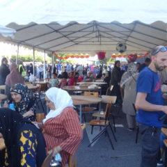Une fête familiale de l'Aïd El-Fitr à la mosquée «Salem» à Meythet
