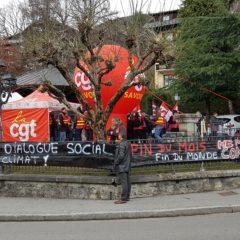 Visite de Macron à Saint Gervais : les manifestants étaient là