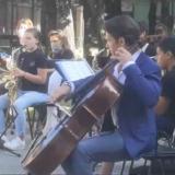 Gautier Capuçon fait sa rentrée avec les enfants musiciens de l'école de la Jonchère à Seynod