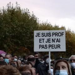 800 personnes rassemblées à Annecy en hommage à Samuel Paty