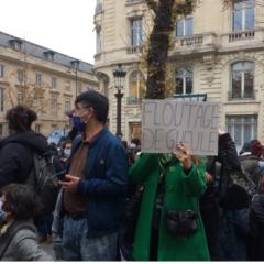 Pour la liberté d'informer et le droit d'être informé : des milliers dans les rues
