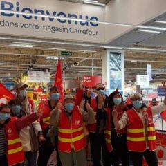 La CGT carrefour dénonce l'augmentation de 0,43 euro par jour pour un salarié alors que le PDG en gagne 20 000