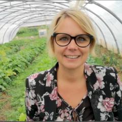 Cécile Cukierman au contact de la permaculture