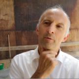 DÉPARTEMENTALES Selon Joël Baud Grasset, candidat sur Sciez, si Christian Monteil prolonge de 15 ans la concession de l'aérodrome de Meythet, c'est que l'aéronautique fait partie de son ADN