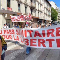 450 manifestants à Annecy contre l'application liberticide du pass sanitaire